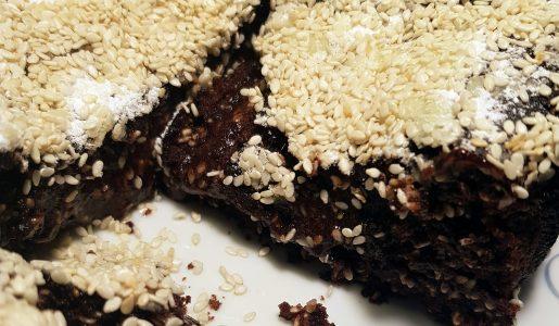 Brownie sezamowe